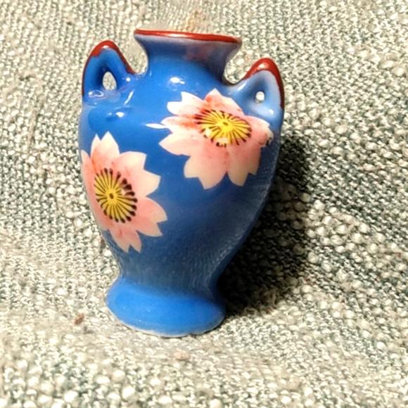 Antique Japanese China Blue Bud Vase